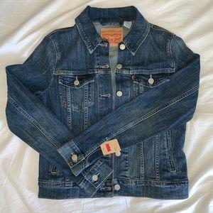 Levi's Women's Jacket Size Small (new w/ tag)